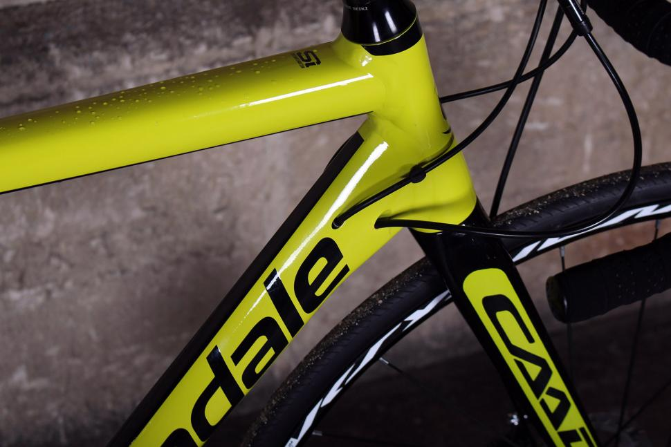 Cannondale CAAD12 Disc - cable route.jpg