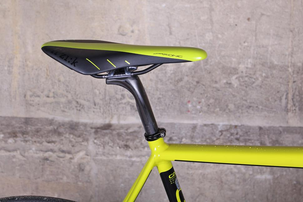 Cannondale CAAD12 Disc - saddle and post.jpg