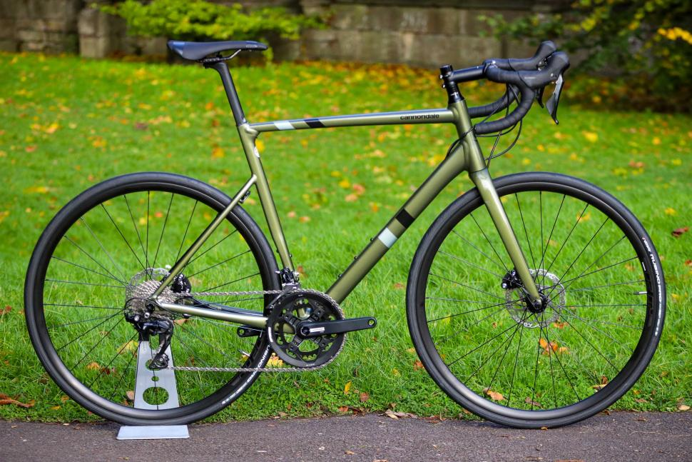 Cannondale CAAD13 Disc 105.jpg