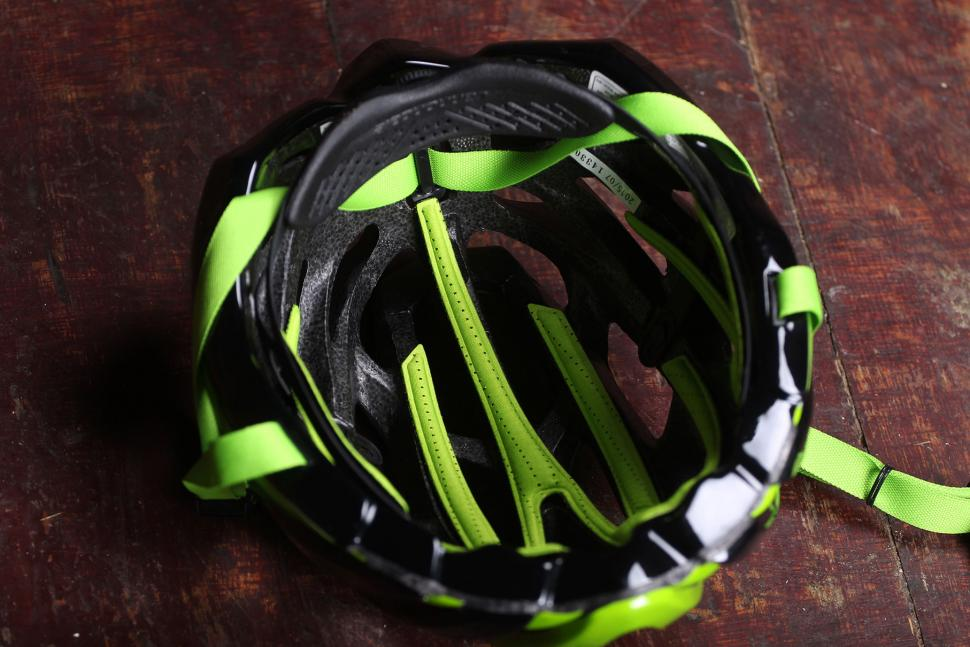 Cannondale Cypher Aero Helmet - inside.jpg