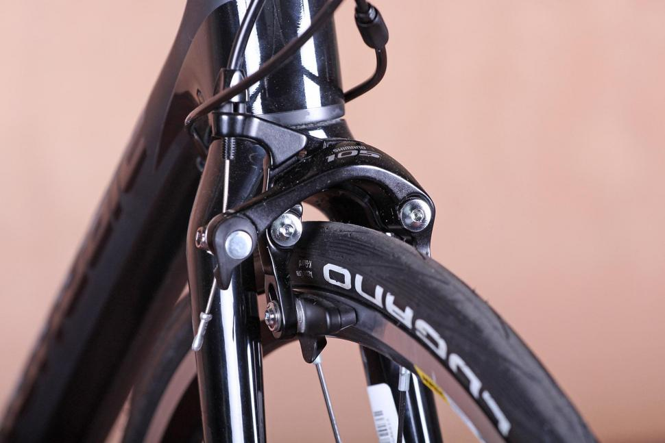 Cannondale SuperSix Evo 105 - front brake.jpg