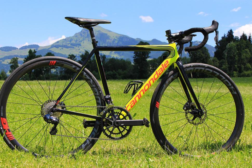 Cannondale SuperSix Evo Disc - full bike.jpg