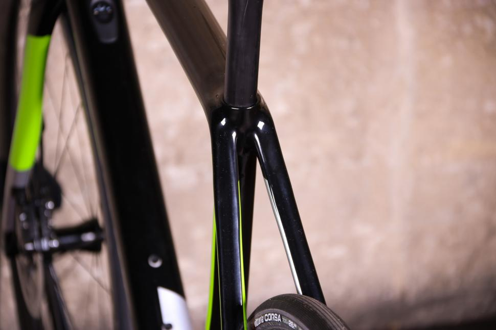 Cannondale Synapse Hi-Mod Disc Dura-Ace Di2 - seat stays.jpg