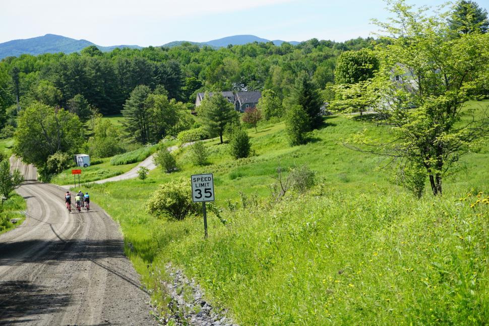 cannondale topstone carbon dirt roads.JPG