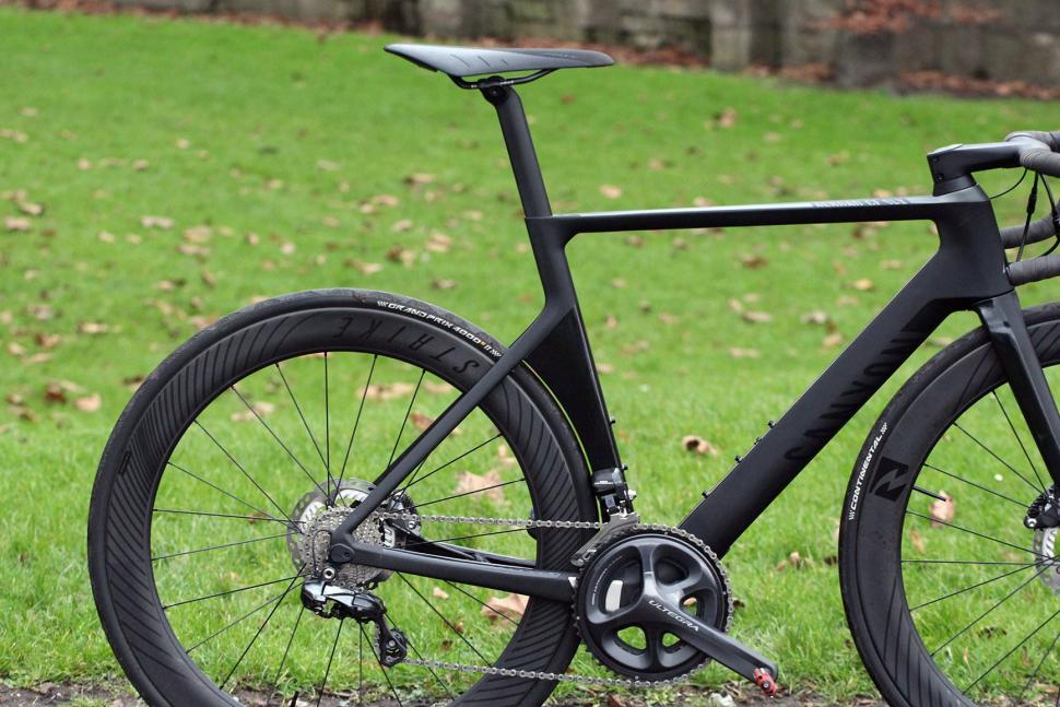 Canyon Aeroad CF SLX Disc 8.0 Di2 - rear.jpg