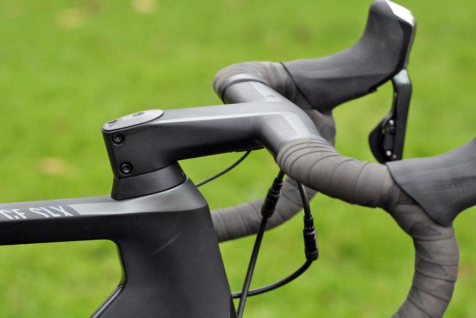 Canyon Aeroad CF SLX Disc 8.0 Di2 - stem.jpg