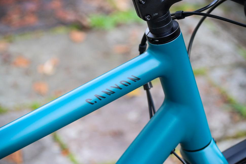 Canyon Commuter 5.0 - top tube.jpg