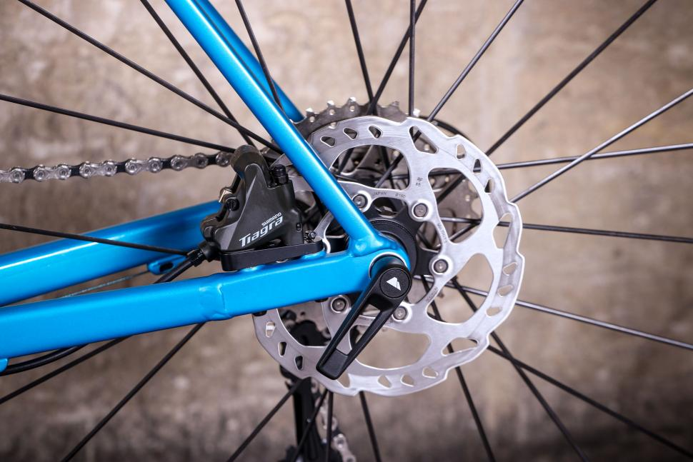 Canyon Endurace AL - rear disc brake.jpg