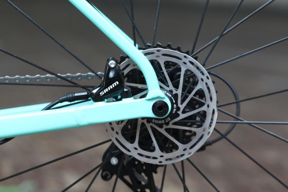 Canyon Inflite AL SLX 6.0 Race - rear disc brake.jpg