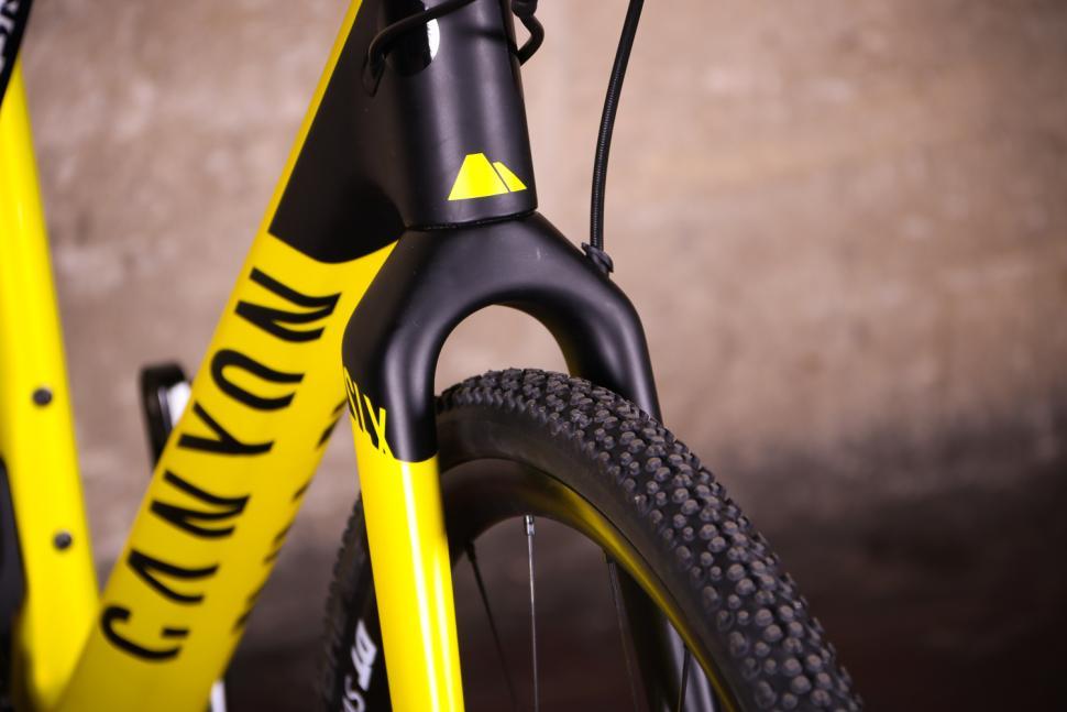 Review: Canyon Inflite CF SLX 8 0 Pro Race | road cc