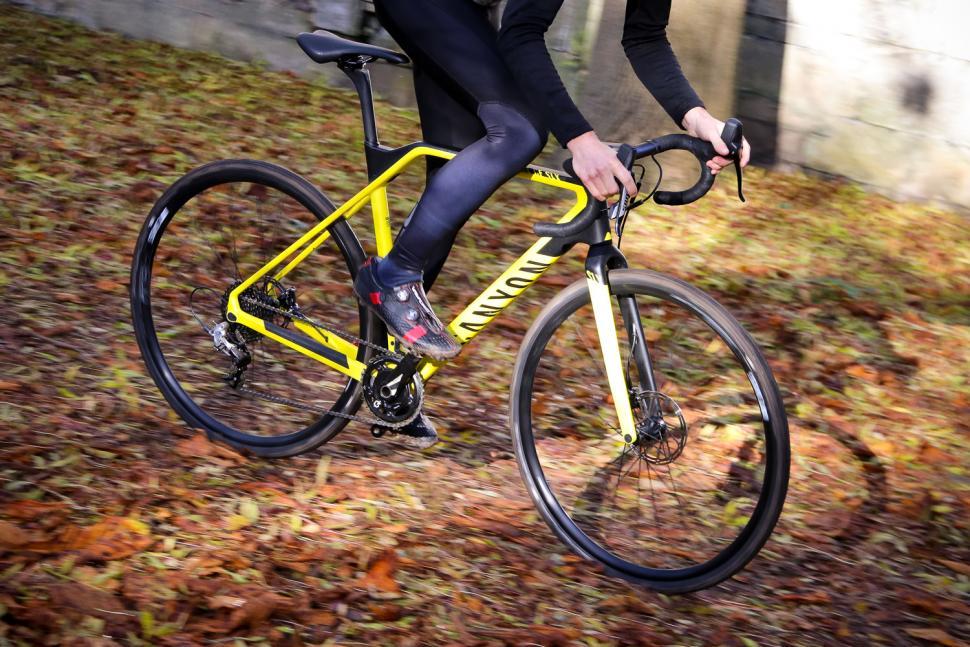 Cube bikes Natural Fit Long finger race gloves Black Grey Red Wht LF Medium M 8