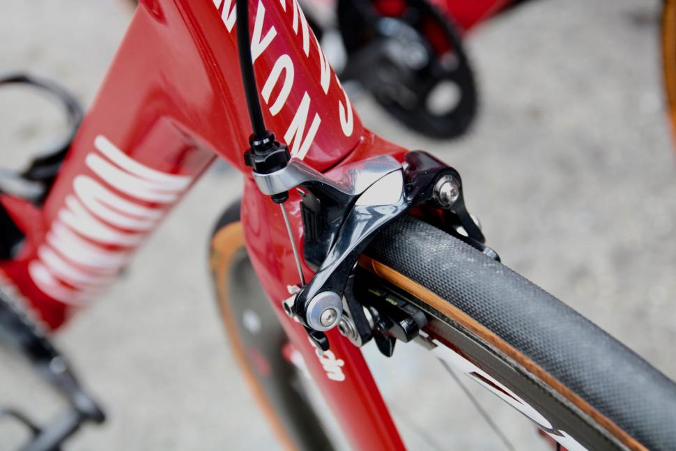 canyon katusha front brake - 1.jpg