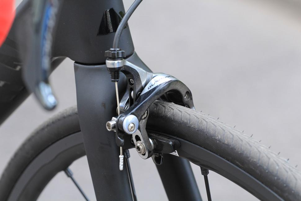 Canyon Ultimate CF SLX - front brake.jpg