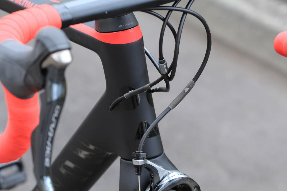 Canyon Ultimate CF SLX - head tube junction.jpg