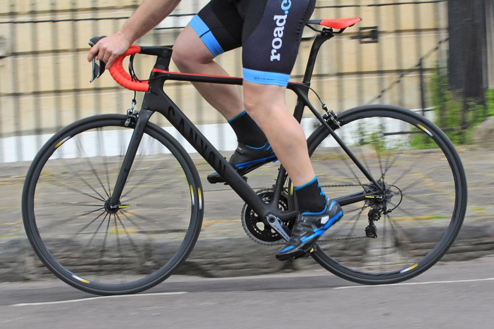 Canyon Ultimate CF SLX - riding 2.jpg