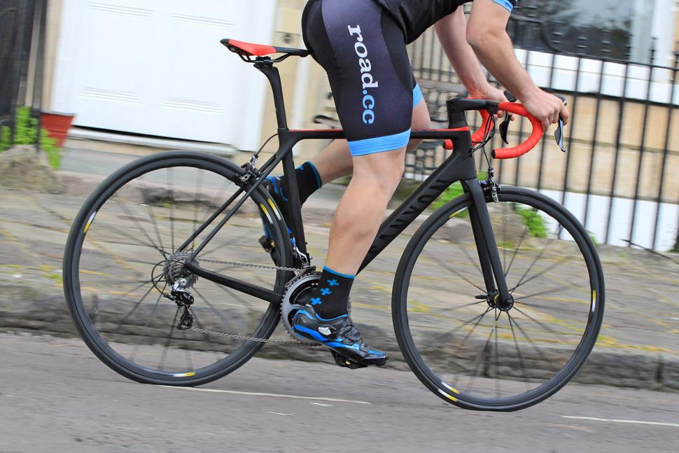 Canyon Ultimate CF SLX - riding 3.jpg