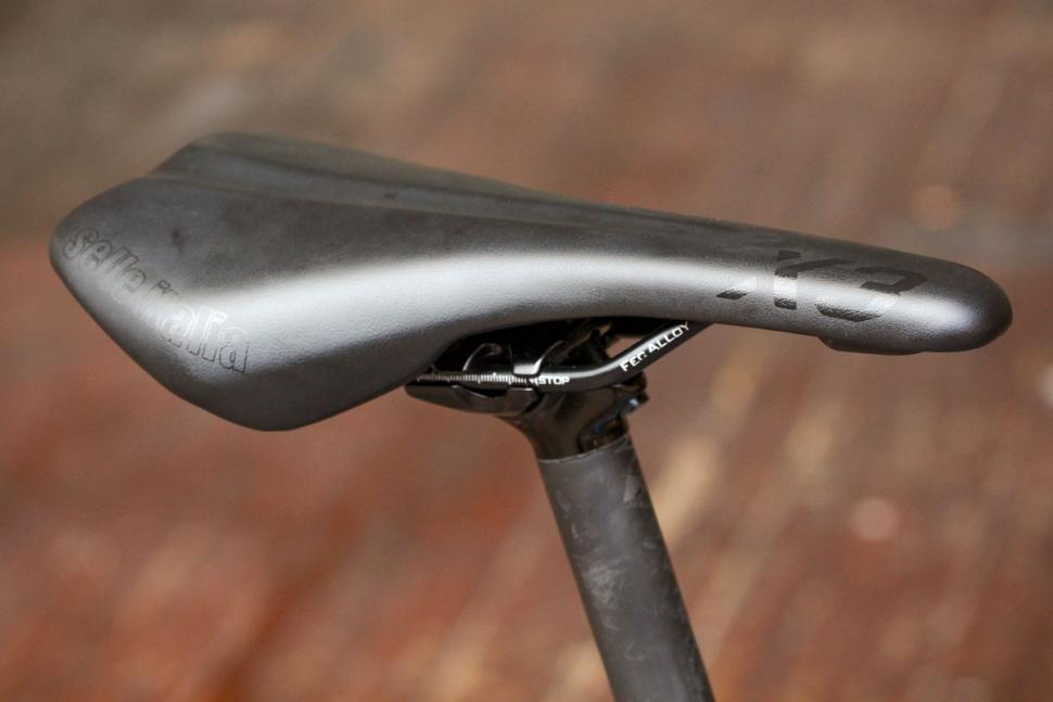 canyon_endurace_al_disc_7.0_-_saddle.jpg
