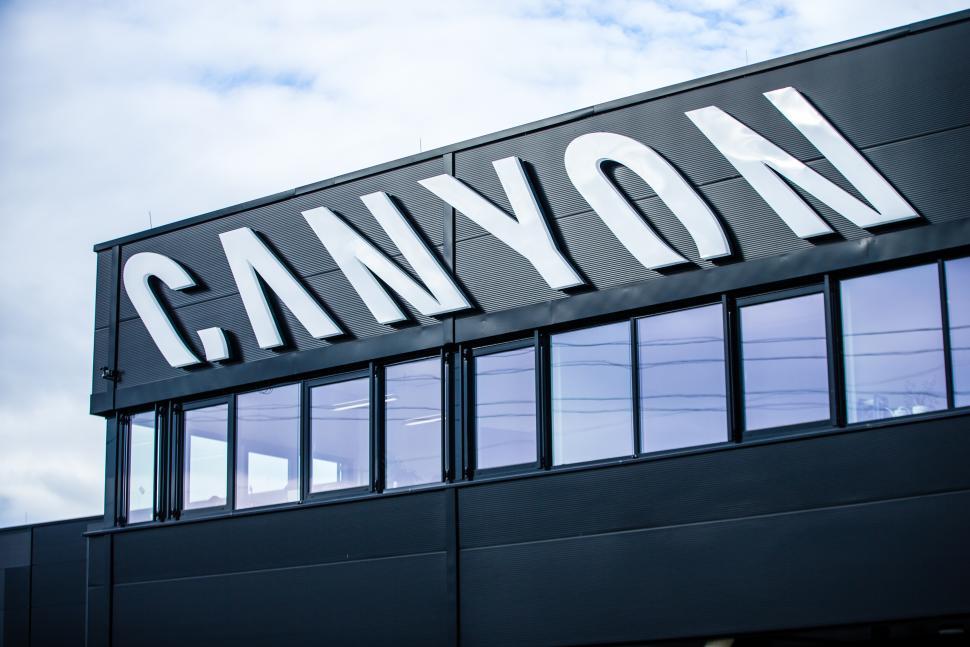 Canyon_Factory_02.jpg