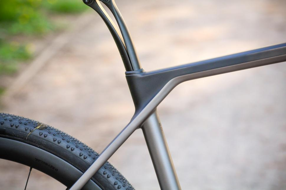 canyon_grail_cf_sl_8.0_sl_-_seat_tube_junction.jpg