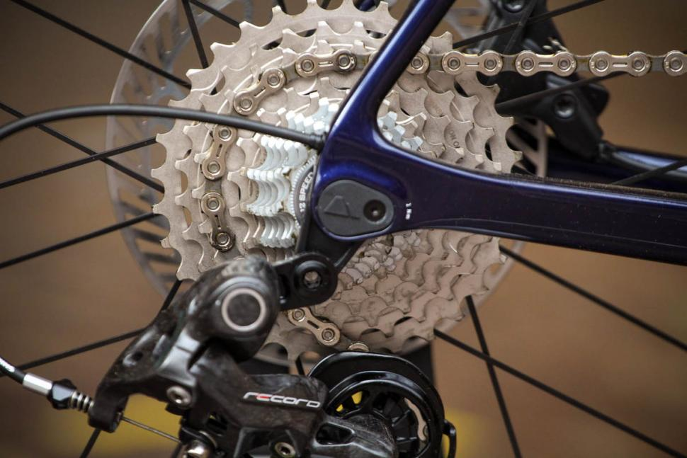 canyon_ultimate_cf_slx_9.0_disc_movistar_edition_12spd_campagnolo_-_cassette.jpg