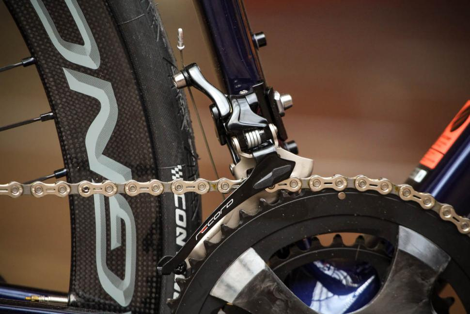 canyon_ultimate_cf_slx_9.0_disc_movistar_edition_12spd_campagnolo_-_front_mech.jpg