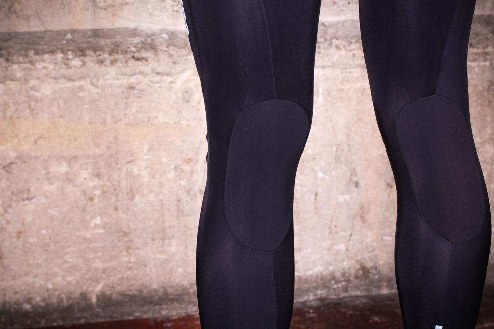 Caratti Elite Windproof Bib Tights - knee details.jpg