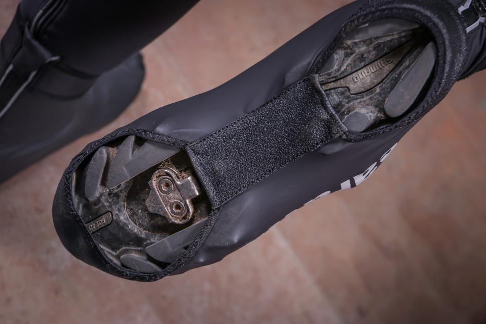Caratti Lightweight Waterproof Overshoes-2.jpg