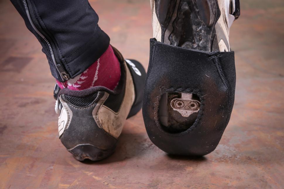 Caratti Neoprene Windproof Toe Warmers-2.jpg