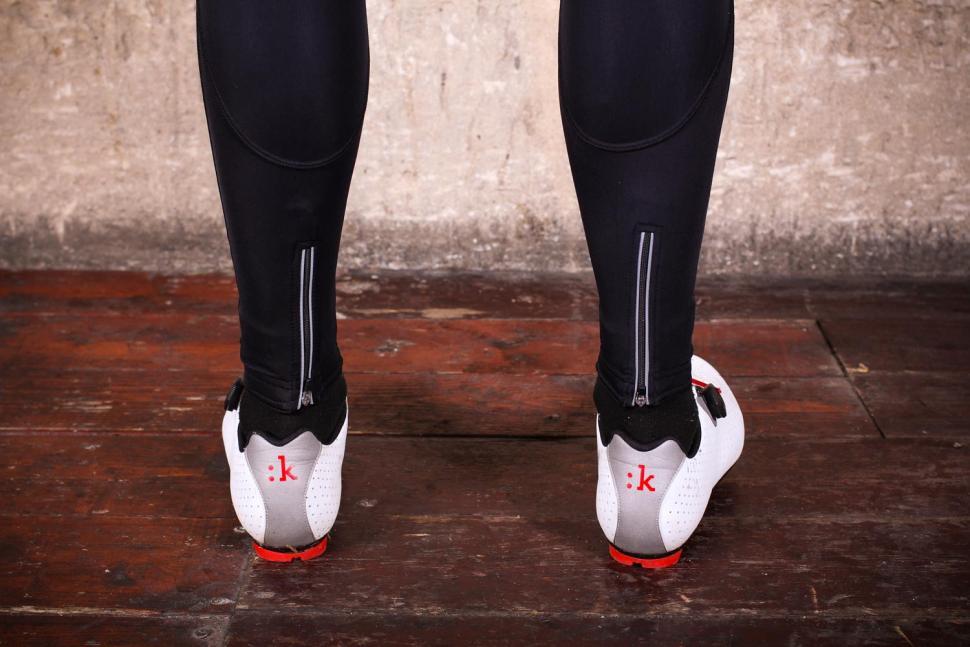 Caratti Pro Windproof Bib Tights - ankles.jpg