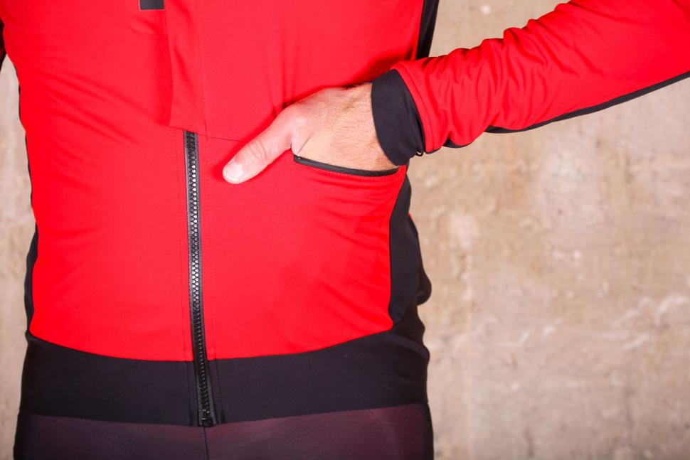Castelli Alpha Ros Jacket - front pocket.jpg