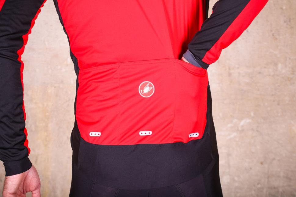 Castelli Alpha Ros Jacket - pockets.jpg