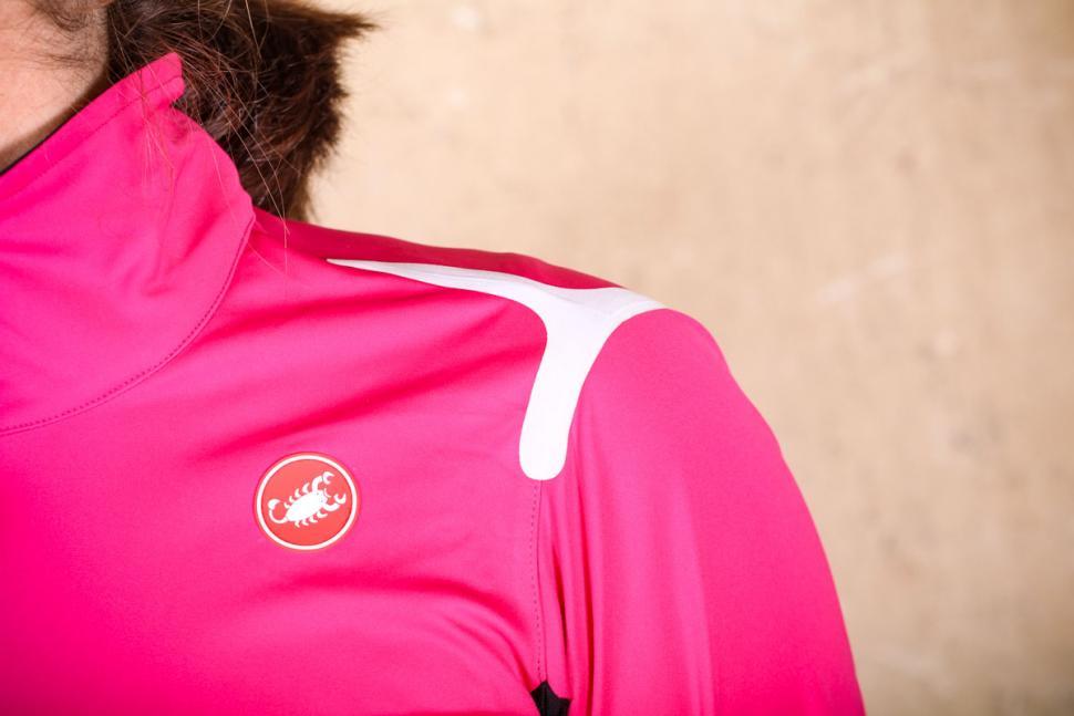 Castelli Alpha Ros womens jacket - shoulder.jpg