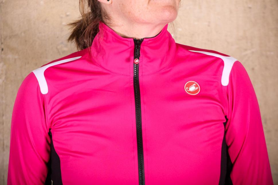 Castelli Alpha Ros womens jacket - shoulders.jpg