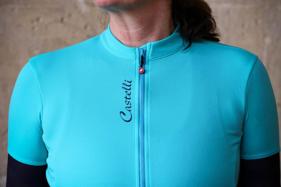 Castelli Anima 2 Women's Cycling Jersey - chest.jpg
