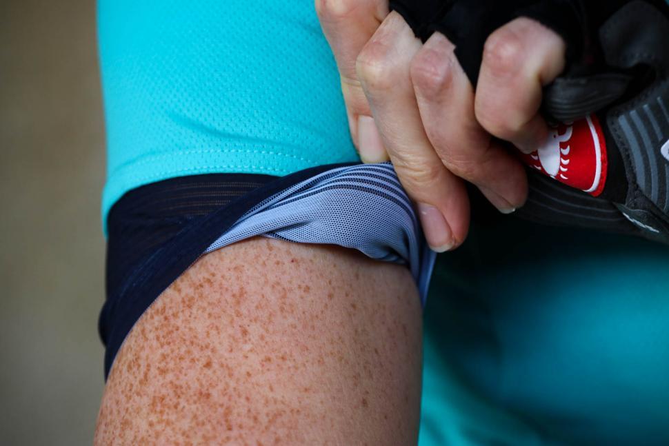 Castelli Anima 2 Women's Cycling Jersey - cuff gripper.jpg