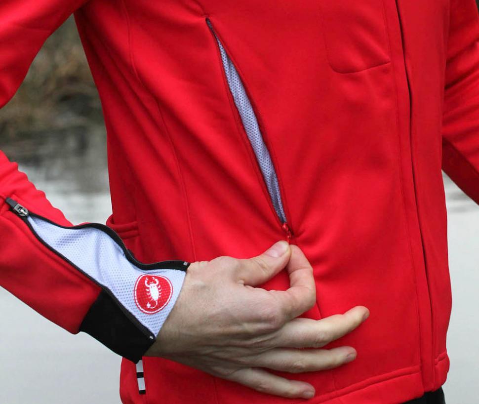 Castelli Expresso Due Jacket - side pocket.jpg