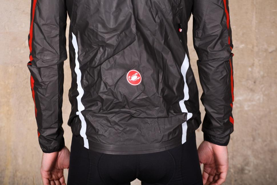 Castelli Idro Jacket - back detail.jpg