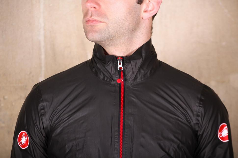Castelli Idro Jacket - chest.jpg