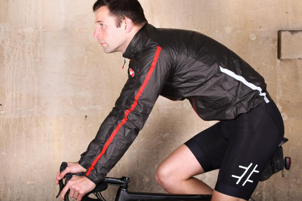 Castelli Idro Jacket - riding.jpg