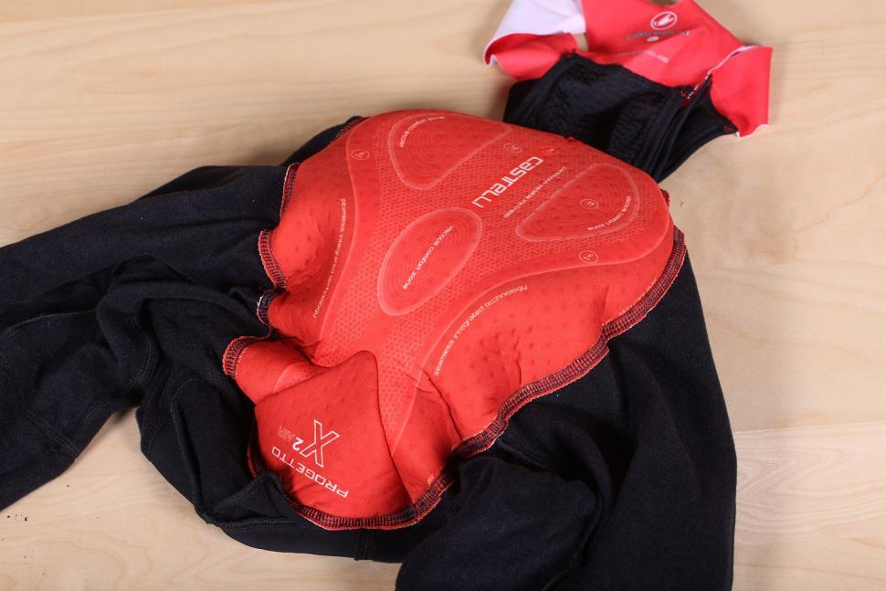 Castelli Omloop Thermal bib shorts - pad.jpg