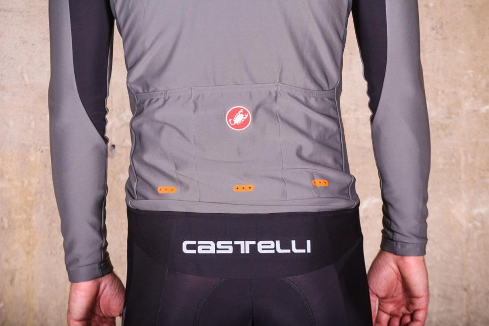 Castelli Perfetto long sleeve jersey - pockets.jpg