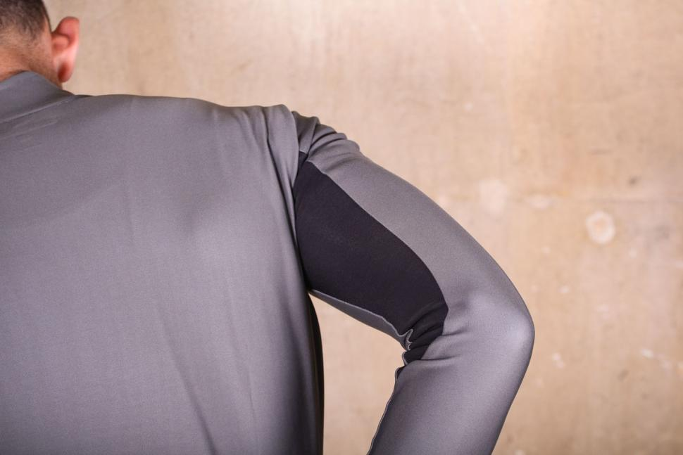 Castelli Perfetto long sleeve jersey - underarm material.jpg