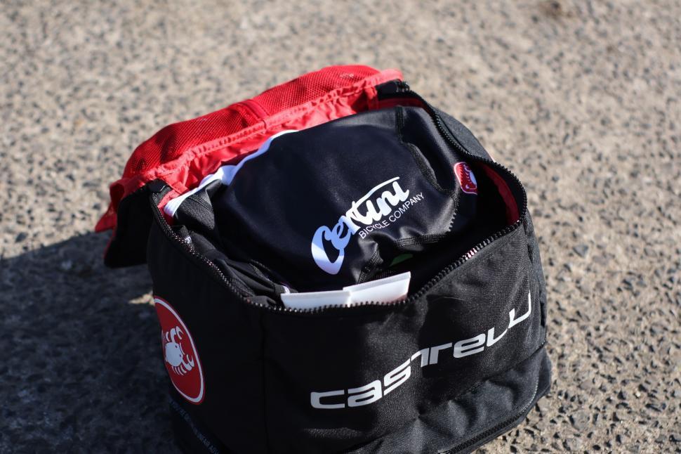 Castelli Race Rain Bag 1.jpg