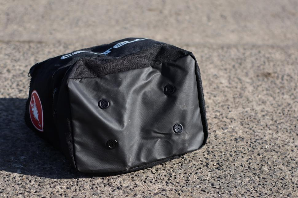 Castelli Race Rain Bag 4.jpg
