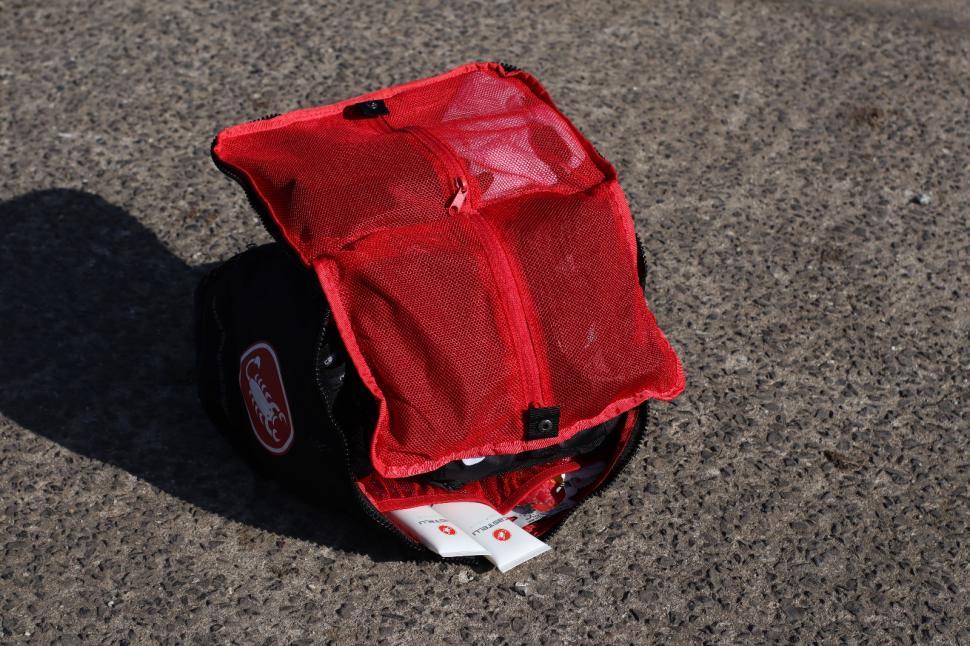 Castelli Race Rain Bag 6.jpg