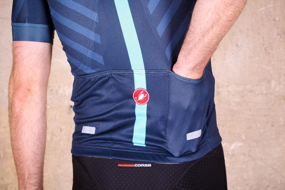 castelli aero race 5.1 jersey fz - pocket.jpg c9ae86ed8