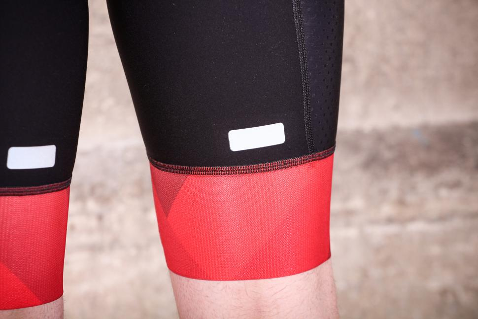 castelli_free_aero_race_bibshort_kit_version_-_cuff.jpg