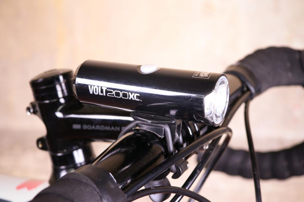 Cat Eye Volt 200 Xc Front Light Jpgitokcrsirglv
