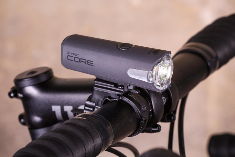 Cateye Sync Set Core /& Kinetic Front /& Rear Bike Light Set RRP £119.99