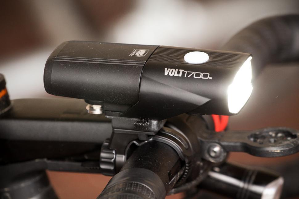 Cateye Volt 1700 front light.jpg
